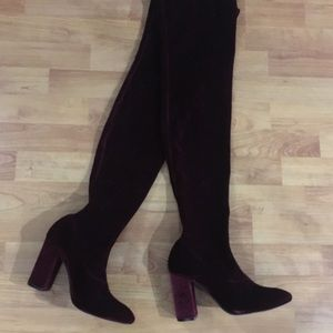 NWT Zara thigh-high Velvet boots